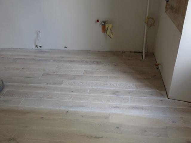 Masyvo grindų alyvavimas