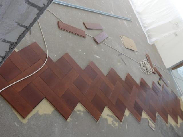 """Parketo """"Versalio mozaika"""" montavimo pradžia"""