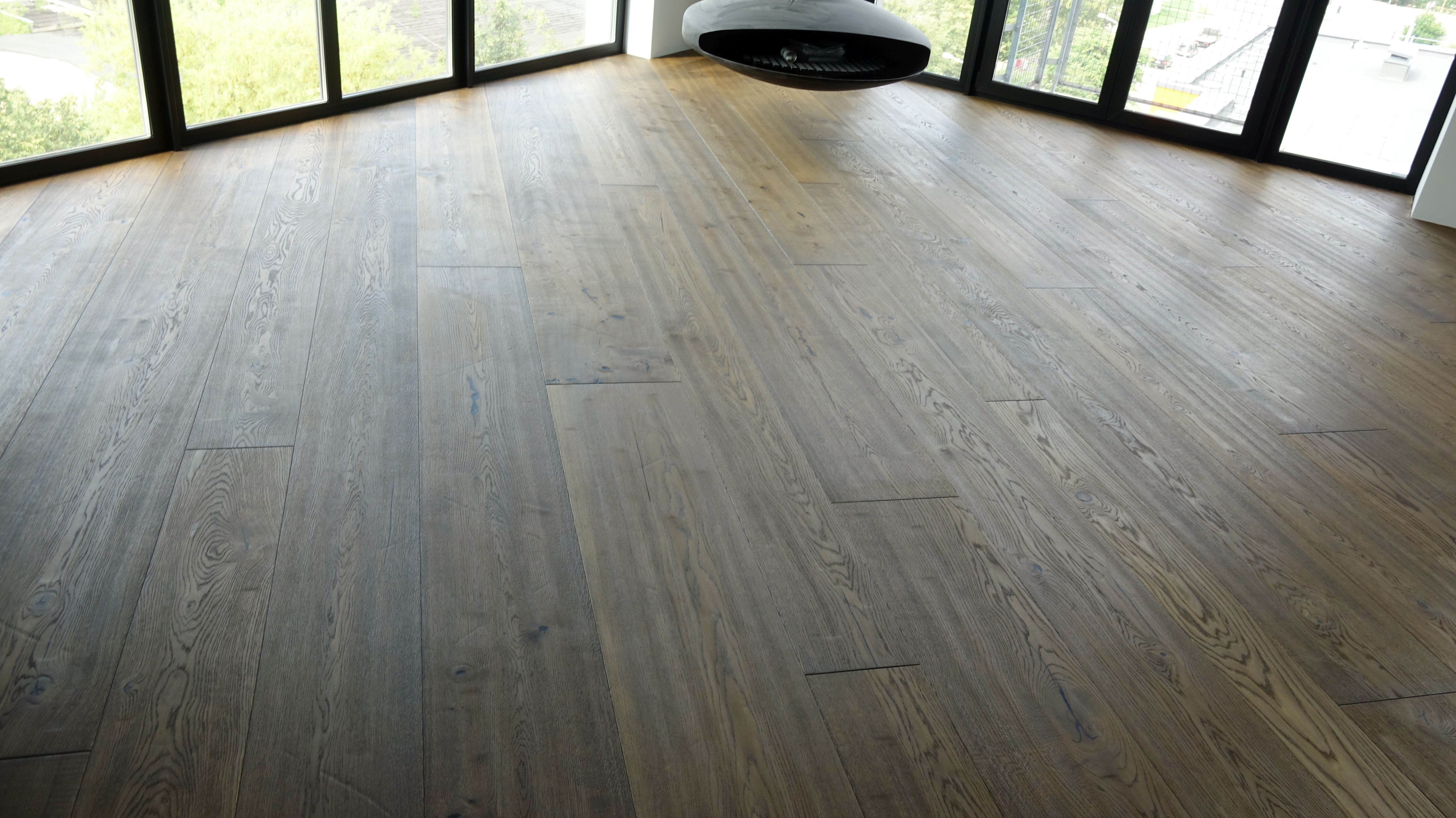 "Boen ""Chaletino"" grindys sumontuotos įstrižai"